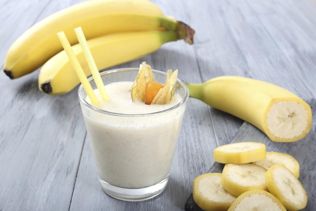 cara membuat smoothies banana